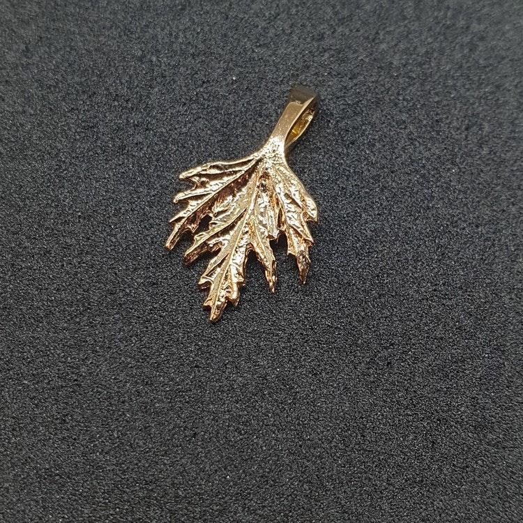 Hänge Musöra 18k Guld