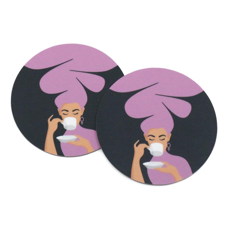 Två coasters / glasunderlägg med motivet Kaffekvinna i lila.