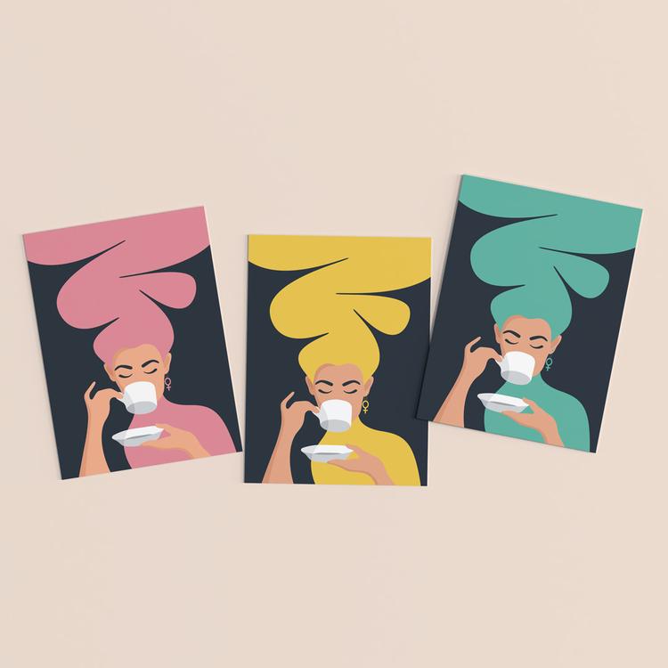 Vykort i 3-pack. Motiv: Kaffekvinnan. Färg: gul, rosa och turkos.