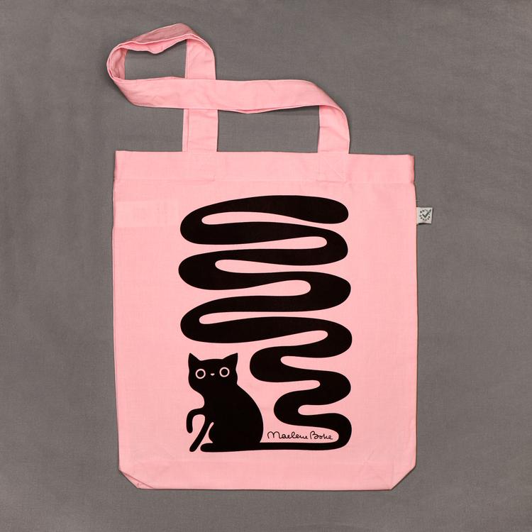 Ekologisk tygpåse / tygkasse med långa handtag och ett svart screentryck med motivet Svanskatt – en katt med lång slingrande svans. Färg: rosa.