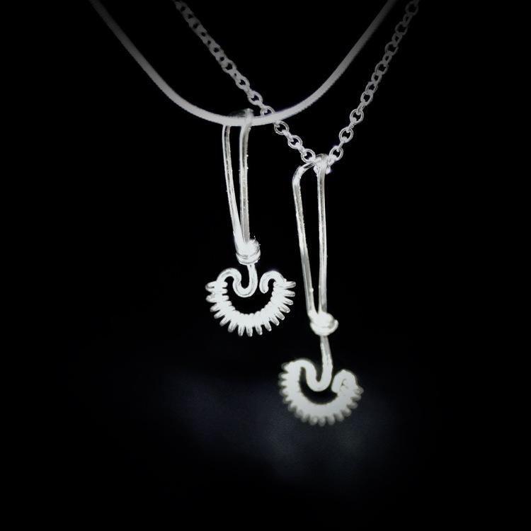Spiralvispar i silver.