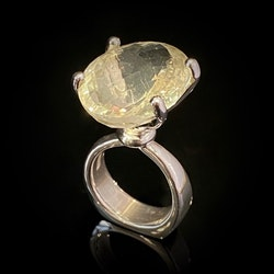 "Ring ""Dragons Den""  Ljus Citrin"