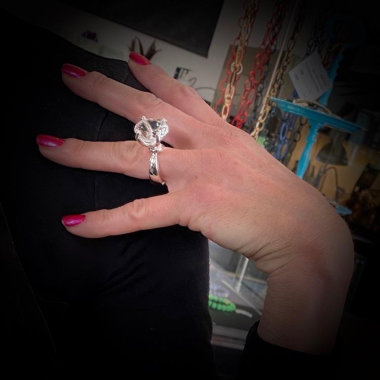 """Ring """"Dragons Den"""" White"""