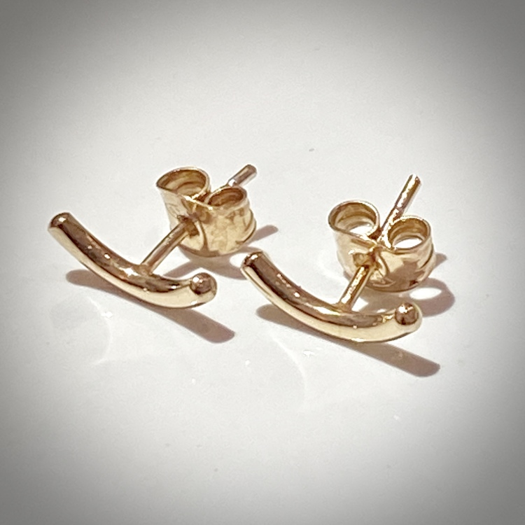MOOD 18k gold earrings. Show your mood. Smile