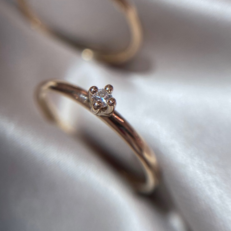Little Princess Diamondring. The most adorable 18k gold ring with a diamond. Made by Stockholm Jewels