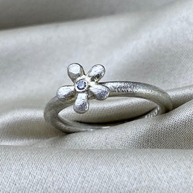 Flower Ring Diamond