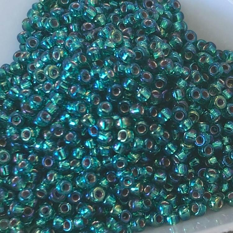 Miyuki seedbeads 11/0 silverlined Emerald AB