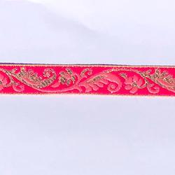 Dekorband cerise med blomgirlang i rosa & guld