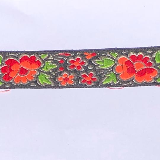 Dekorband svart med blommor i rött, orange & grönt