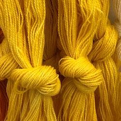 Möbelåtta 8/2 gul handfärgad