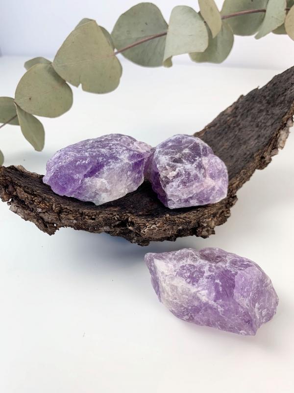 Råa kristaller och mineraler