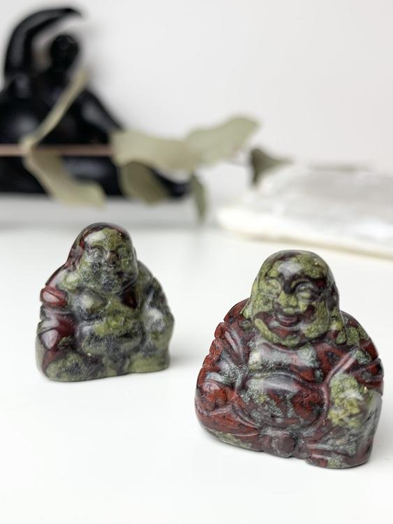 Buddha av drakblods jaspis