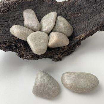 Vit Aventurin, trumlade stenar