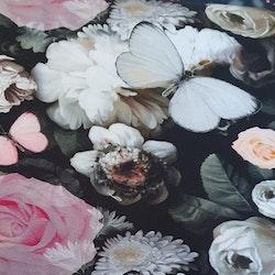 Rosavita fjärilar och blommor