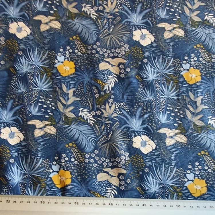 Blommor och blad blå