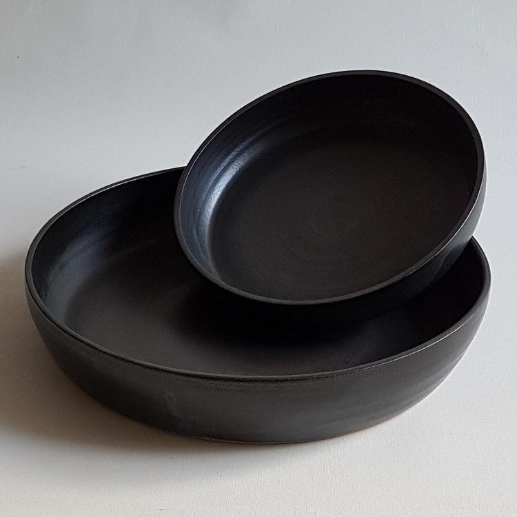 Pajform i Serien Svart Granit / ca 30 cm i diameter