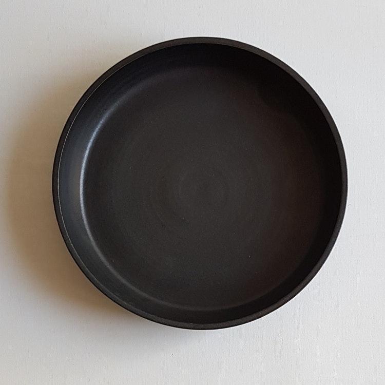 Liten Pajform i Serien Svart Granit / ca 21 cm i diameter