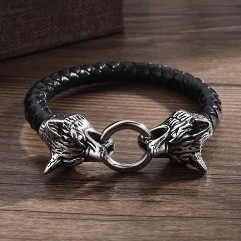 Viking smycken såsom Tors hammare halsband och mycket mer.