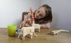 Giraff i trä- måla själv