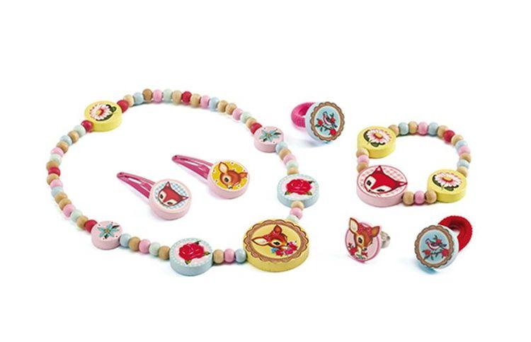 Jewellery, Small hind