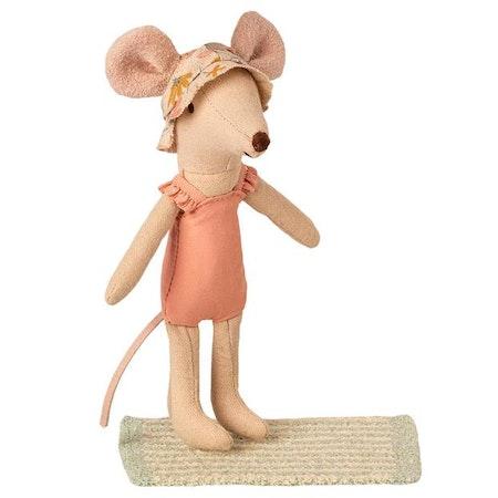 Strandset för storasyster mus