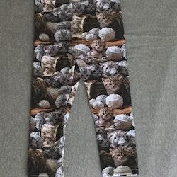 410 Leggings Katter och garnnystan