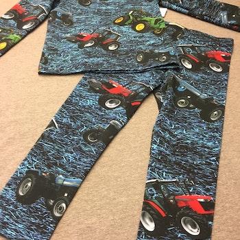 552 T-shirts Lång ärm Traktorer på blå botten