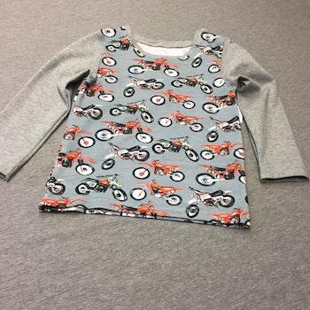 553 T-shirts Lång ärm Motorcyklar på grå botten