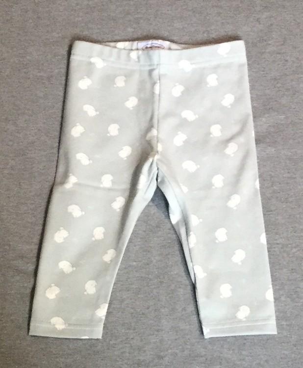834 Leggings Vita kaniner på grå botten