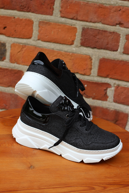 DL Sport Sneakers Svart m vit sula