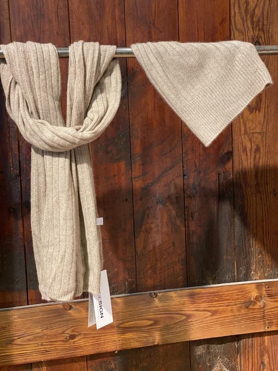 8Design halsduk i cashmere