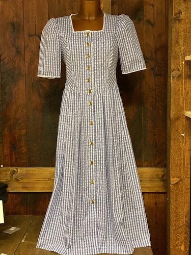 Blårutig klänning till Oktoberfesten