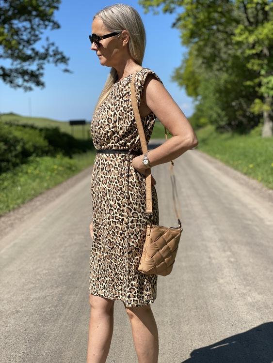 Leopardklänning från Summum