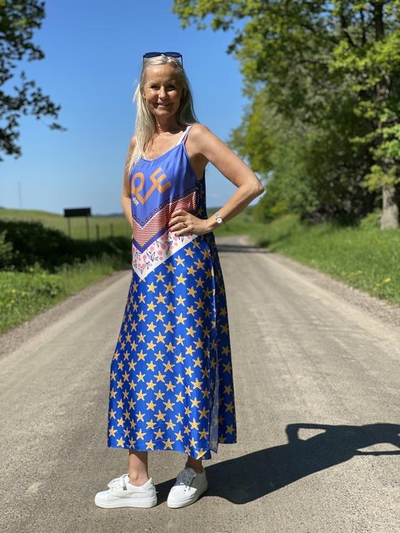Mönstrad klänning från ME369