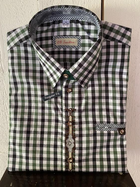 Grönrutig herrskjorta med fina broderier