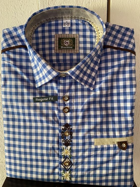 Blårutig herrskjorta med fina broderier