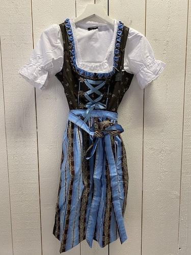 Brun och blå klänning till Oktoberfesten