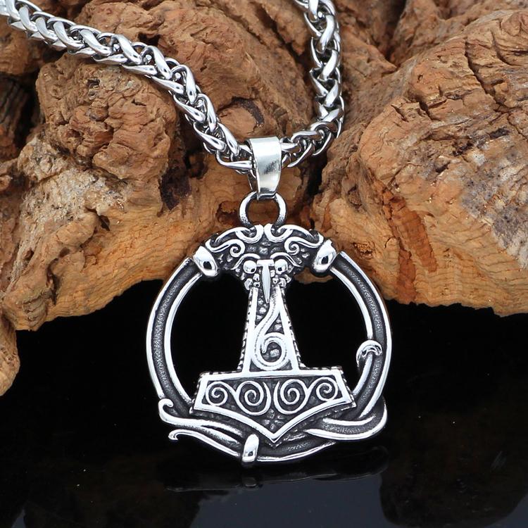 Halsband Thors hammare i Cirkel
