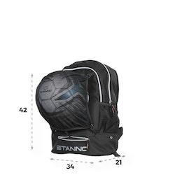 Backpack with ballnet