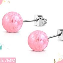 Rosa örhängen med mönster