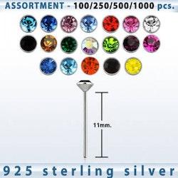 Näspiercing i silver med vit ädelsten