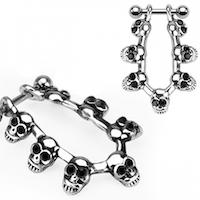 Helix piercing med döskallar