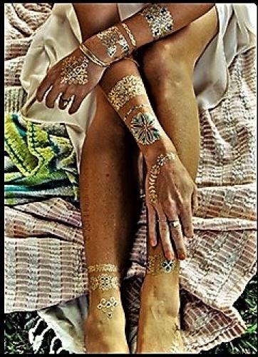 Stick on tatueringar med grönt mönster
