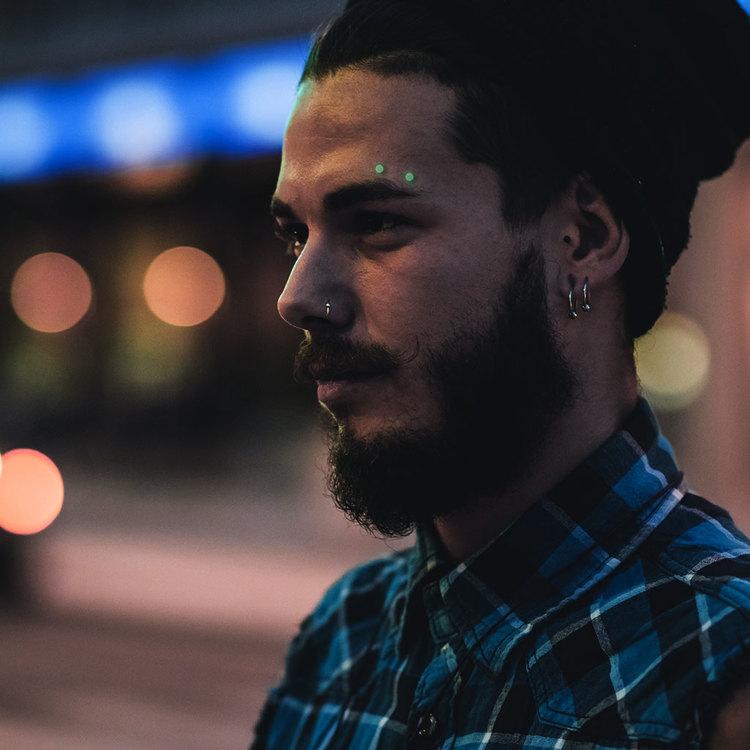Ögonbrynspiercing -Glow in dark-