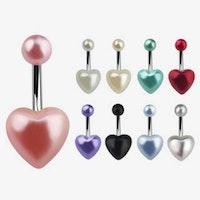 Navelpiercing med pärlhjärta