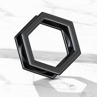 Svart tunnel med hexagonform