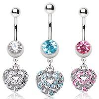 Navelpiercing med hängande ornament hjärta