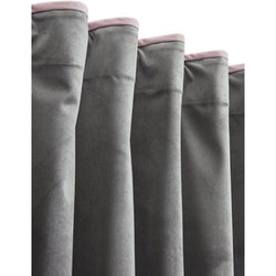 sammetsgardin rosa grå med piping  Svanefors