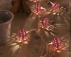 Konstsmide 3m ljusslinga, 24st Metallbollar, Röd