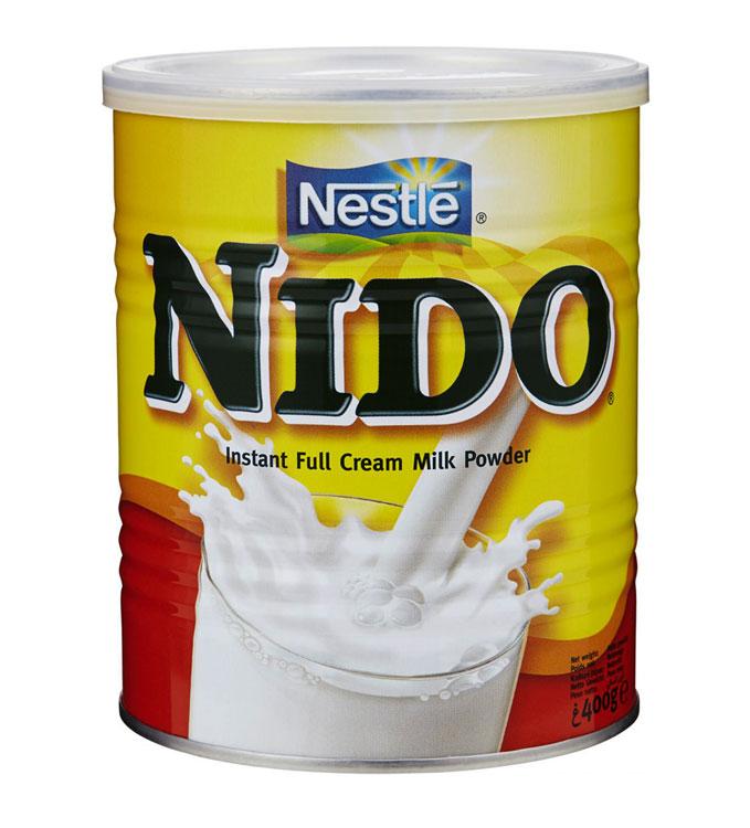 Mjölkpulver eller torrmjölk är praktiskt och populärt att baka och laga mat med i hushållet om man inte har mjölk hemma. Bara att blanda ut mjölkpulvret med vatten!